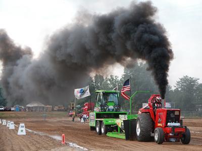 037 Fair Tractor Pull.jpg