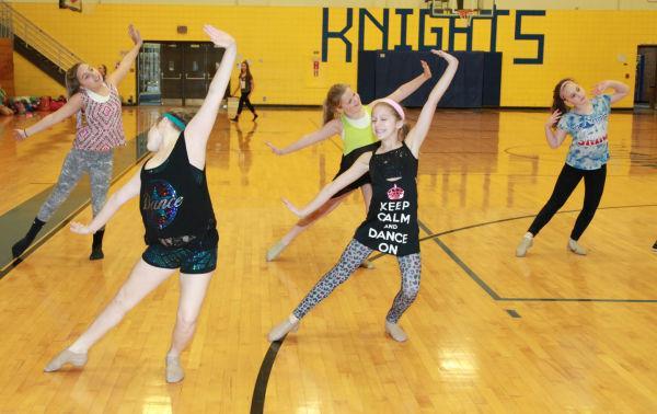 004 SFBRHS Dance Clinic 2014.jpg