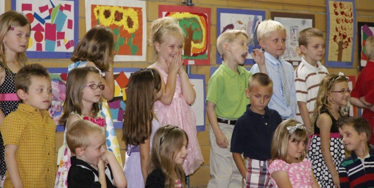 008 Fifth Street School Kindergarten Program.jpg