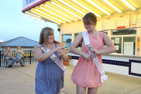 043 Fair Queens at Paradise.jpg