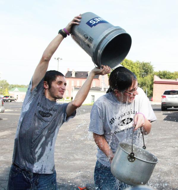 022 Washington Missourian Newspaper Ice Bucket Challenge.jpg