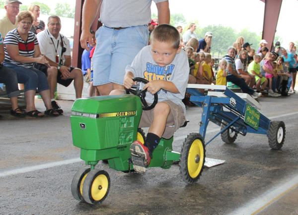 001 Pedal Tractor Pull 2014.jpg