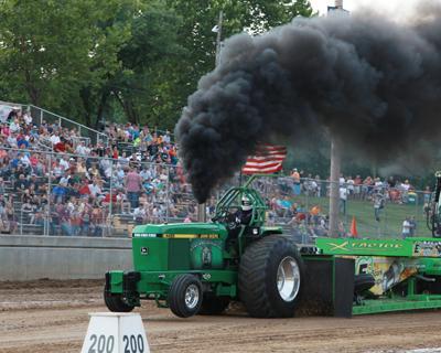 023 Fair Tractor Pull.jpg