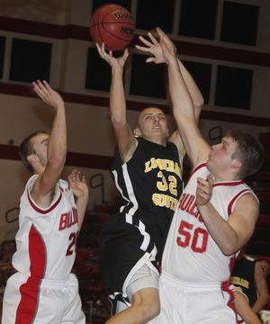 Bulldogs Begin Union Tourney With Setback to Lutheran South