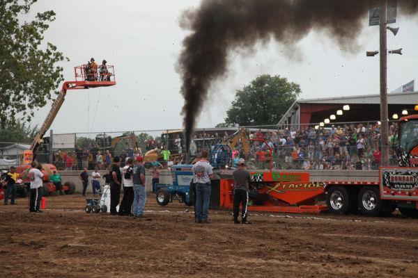 051 Tractor Pull Fair 2013.jpg
