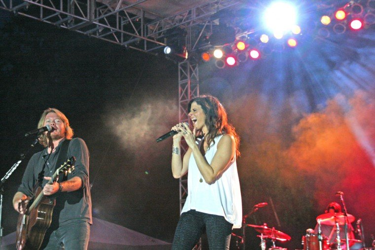002 Little Big Town Play TnC Fair 2011.jpg