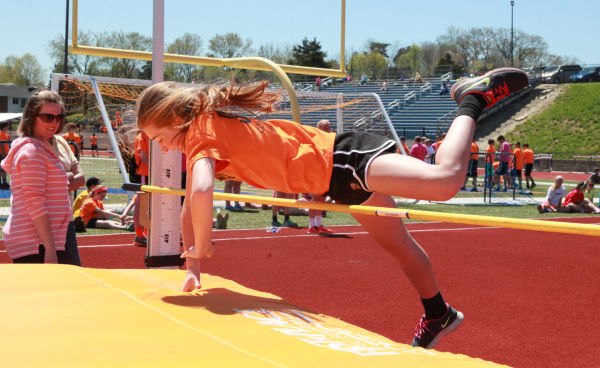 019 7th and 8th Grade Track and Field.jpg