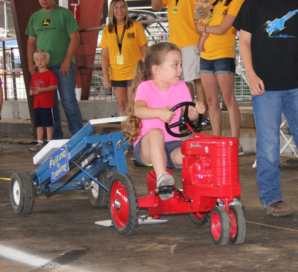002 Pedal Tractor Pull 2014.jpg