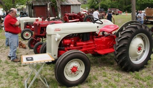 014 Labadie Tractor.jpg