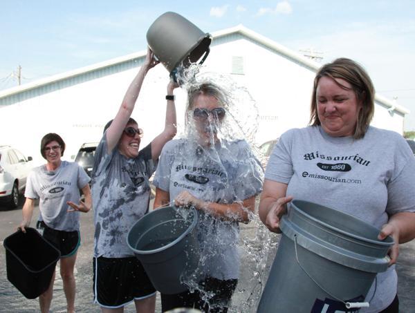013 Washington Missourian Newspaper Ice Bucket Challenge.jpg
