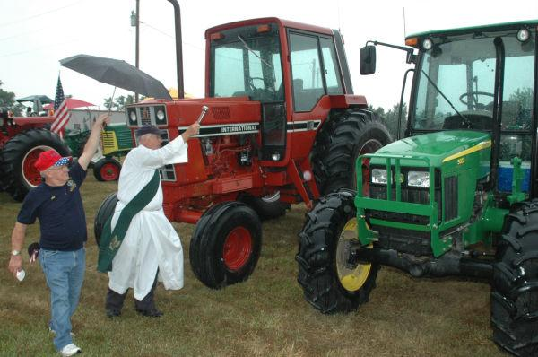 011 Tractors in St Clair.jpg