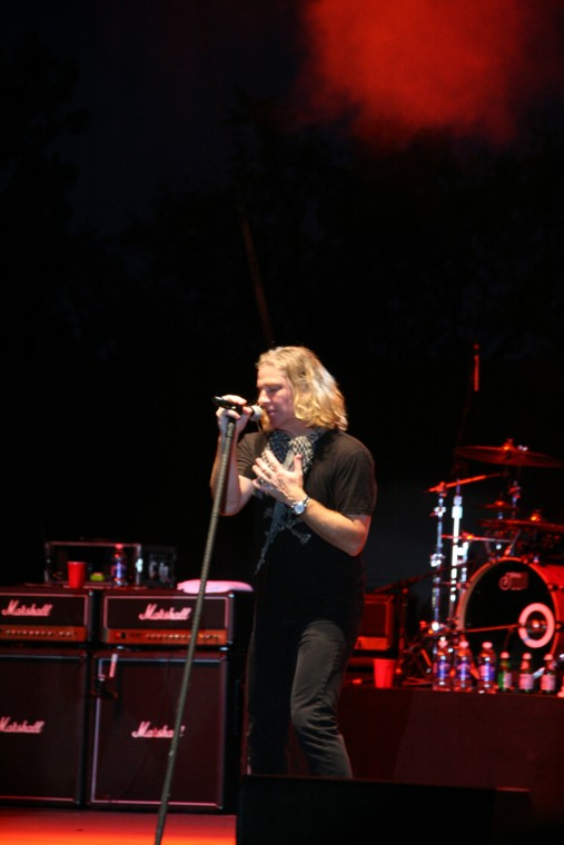 008Collective Soul Play TnC Fair 2011.jpg