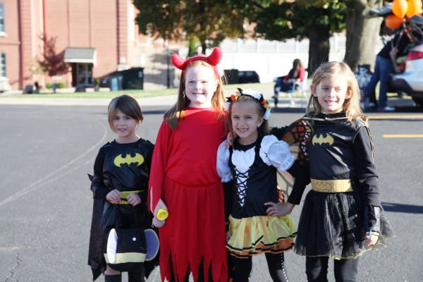 020 SFB grade school trunk or treat.jpg