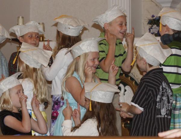 010 St. Gert Kindergarten Grad.jpg