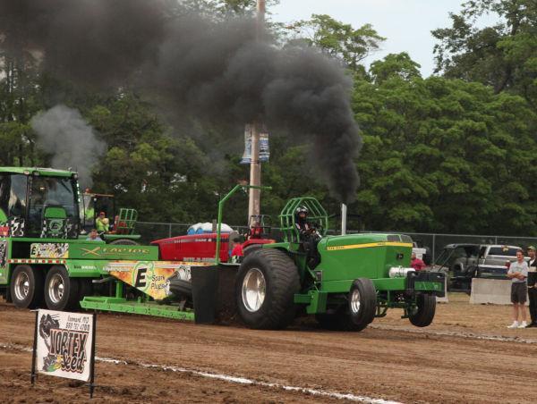 030 Tractor Pull Fair 2013.jpg