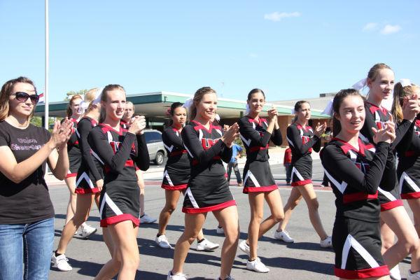 010 UHS Homecoming parade 2013.jpg