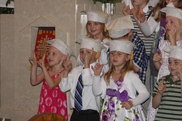 013 St. Gert Kindergarten Grad.jpg