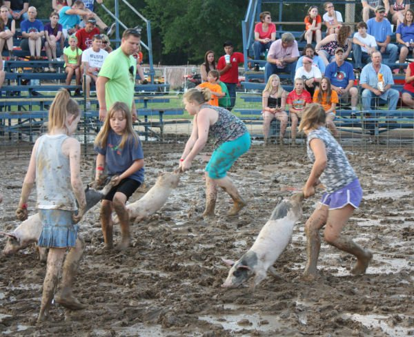 007 Franklin County Fair Pig Scramble.jpg