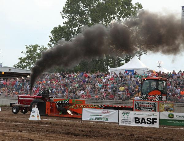 037 Tractor Pull Fair 2013.jpg