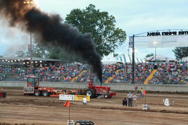 020 Tractor Pull at the Fair 2014.jpg