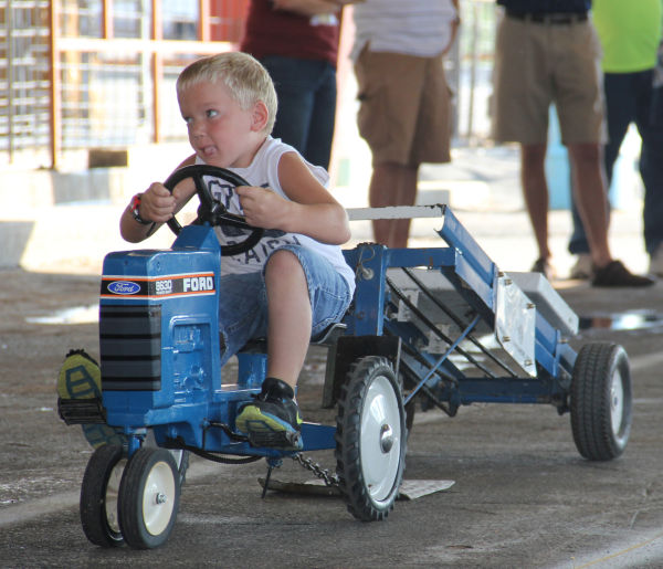 007 Pedal Tractor Pull 2013.jpg
