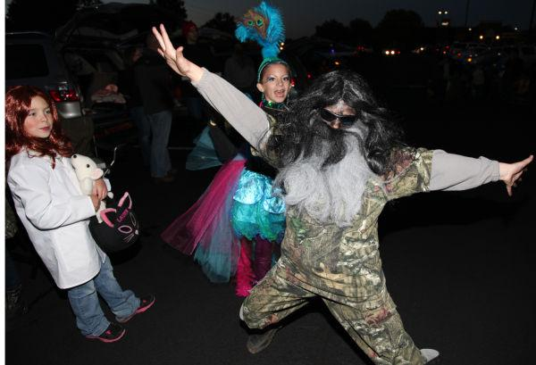 003 OLL trunk or Treat.jpg
