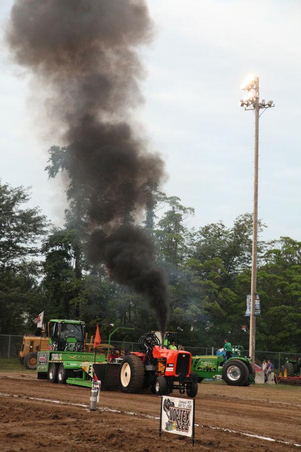 034 Tractor Pull Fair 2013.jpg
