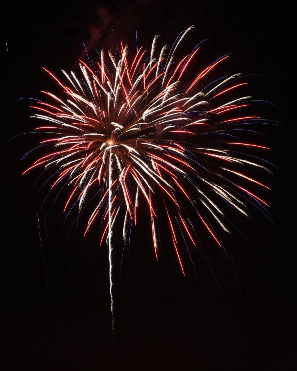 025 Washington MO Fireworks.jpg