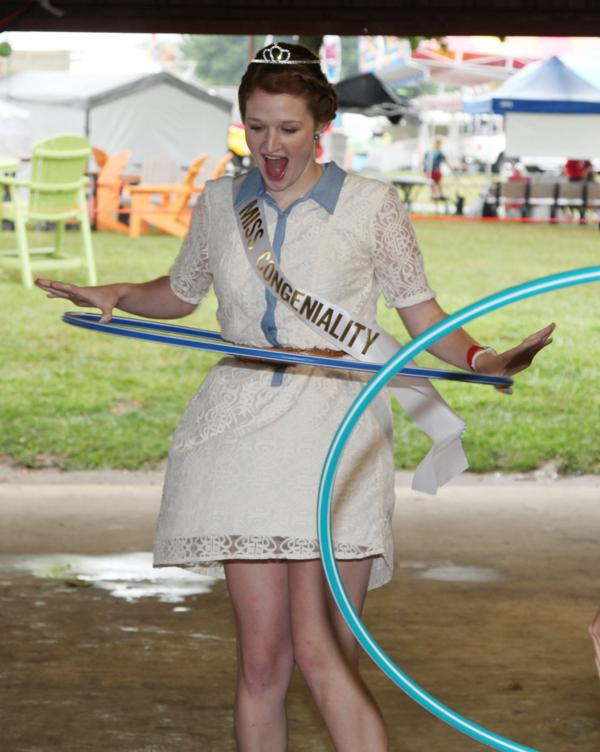 004 Fair Hula Hoop Contest 2014.jpg