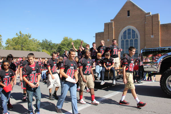 008 UHS Homecoming parade 2013.jpg