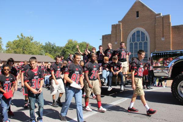 008 UHS Homecoming parade 2013.jpg