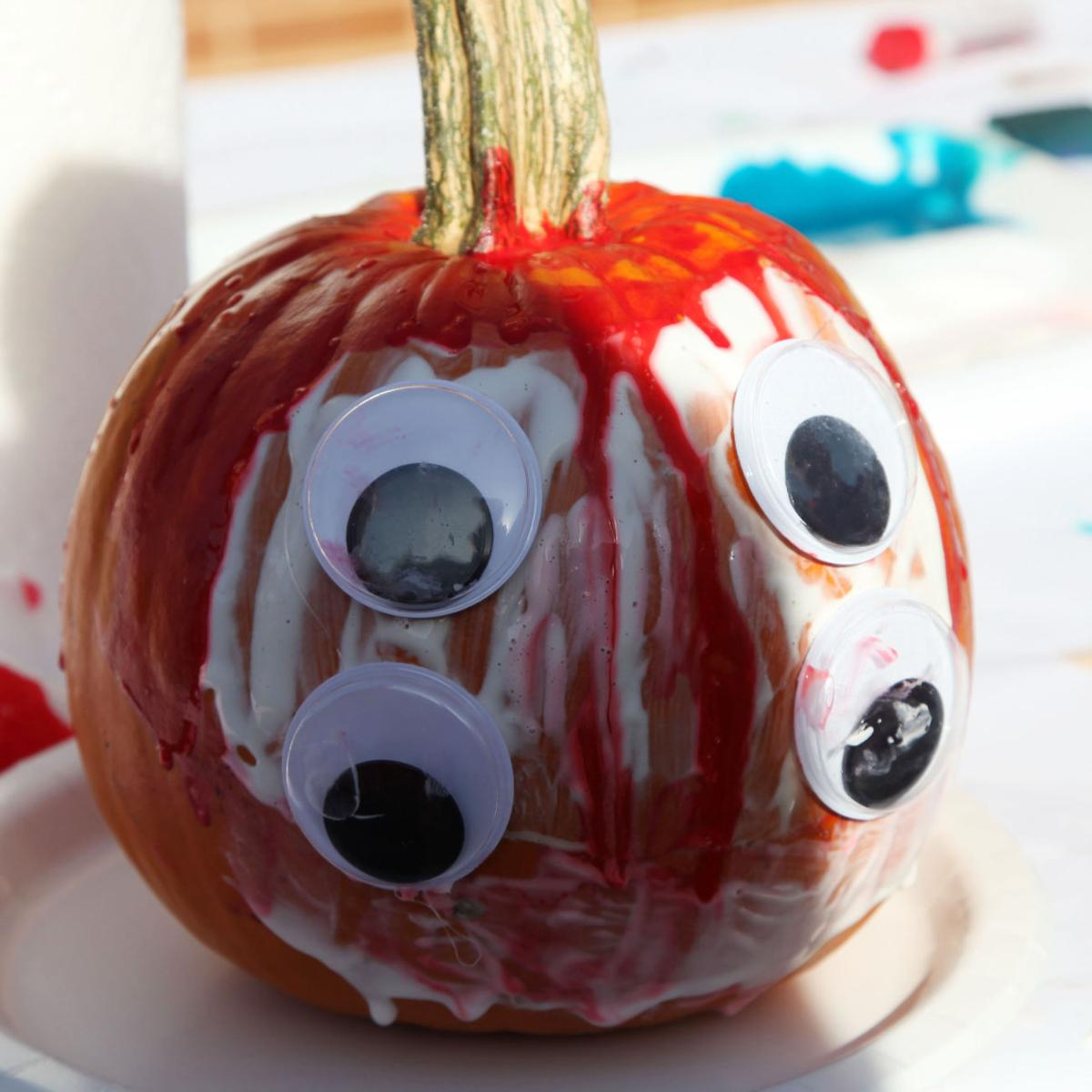 Pumpkin Decorate at Washington Library 2016