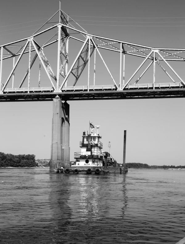 001 Missouri River Bridge in Black and White.jpg