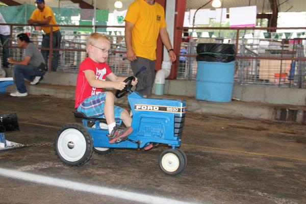 020 Pedal Tractor Pull 2014.jpg