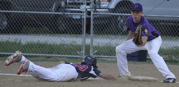 Pacific Splits Doubleheader With St. Peters