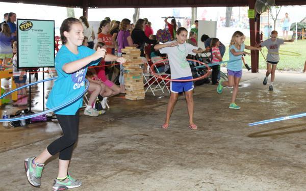 021 Fair Hula Hoop Contest 2014.jpg