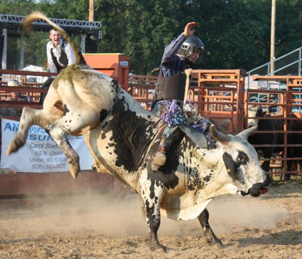 019 Bull Ride.jpg