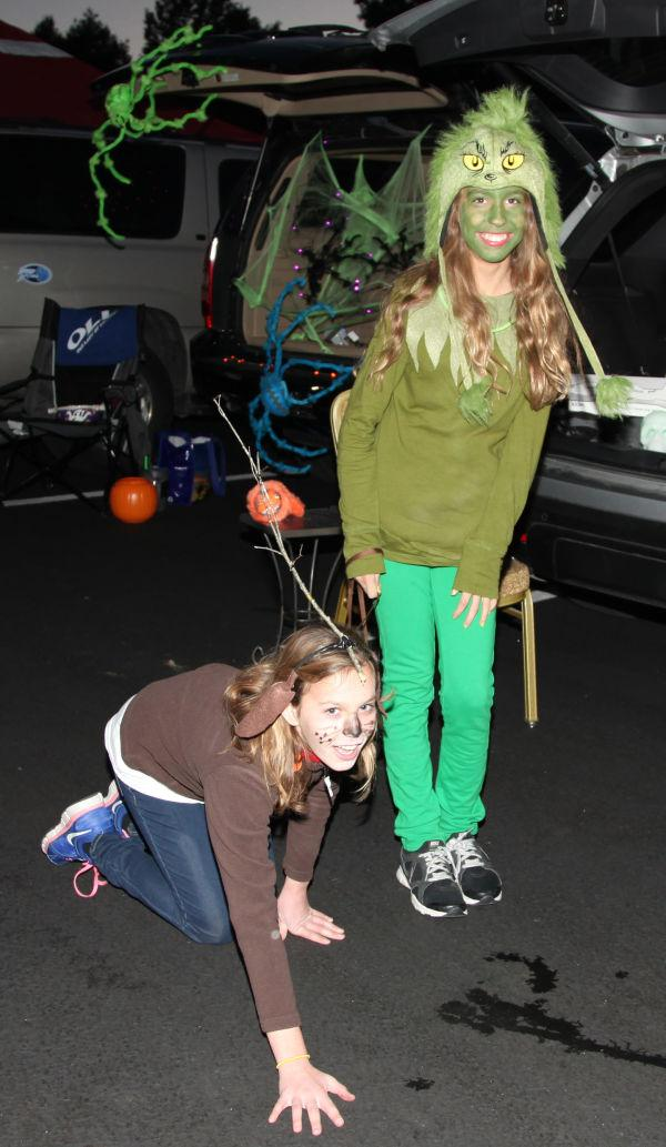 001 OLL trunk or Treat.jpg