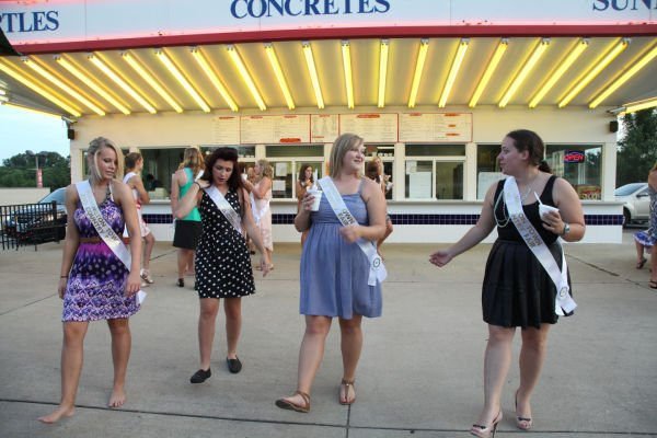 027 Fair Queens at Paradise.jpg