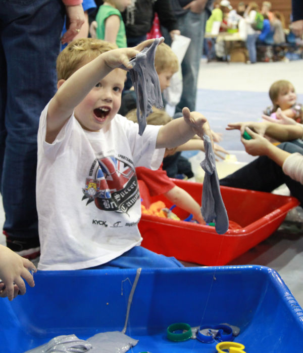 004 Messy Play Night 2014.jpg