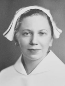 99 and Countingn Eloise Bronak Served in Navy as Nurse During World War II