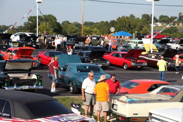 005 Modern Auto Cruise Night 2013.jpg