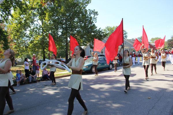003 UHS Homecoming parade 2013.jpg
