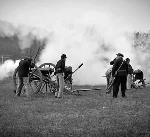 Photographer Shoots Civil War Re-Enactment — Battle of Pilot Knob