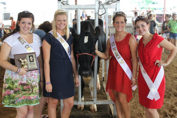 012 Milking Contest 2013.jpg