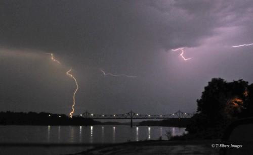 Lightning 4.jpg