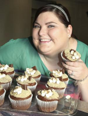 Local Woman Launches New Cupcake Businessn Bakes, Sells Them at Big Boy's