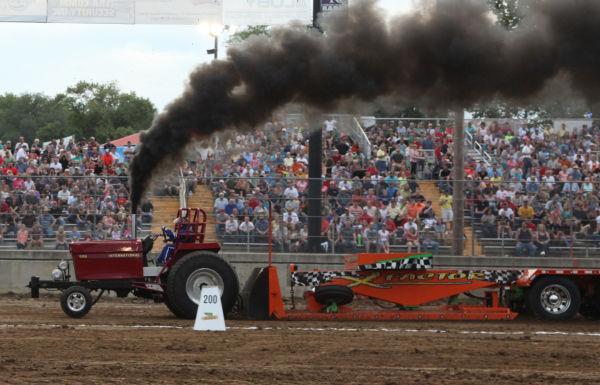 023 Tractor Pull Fair 2013.jpg