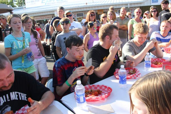 012 Hot Wings Eating Contest 2013.jpg
