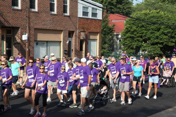036 Alzheimer Walk 2013.jpg